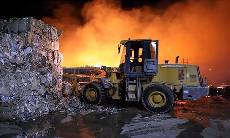 آتشسوزی در کارخانه کاغذ سازی پردیس