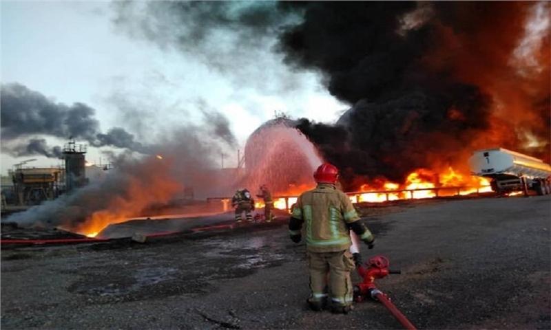 وقوع آتش سوزی گسترده در کارخانهای در مهریز/مهار آتش پس از ۳ ساعت