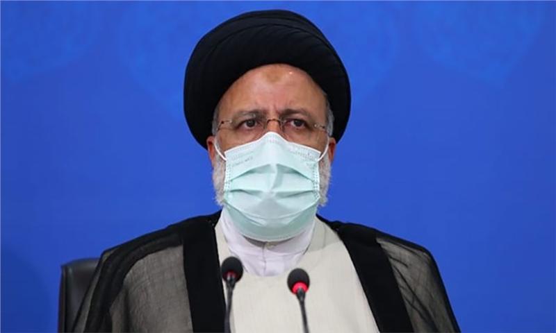 بازدید رئیسی از کارخانه در حال ساخت کاغذ زاگرس فارس/ تاکید بر ضرورت خودکفایی در تولید کاغذ